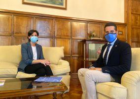 Ampliar información de El Alcalde mantiene una reunión de trabajo con la Delegada del Gobierno en La Rioja.