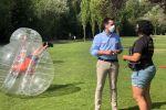 Ampliar información de El Alcalde de Arnedo visita las actividades de Ocio y Tiempo Libre en el parque