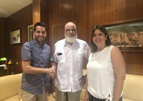 Ampliar información de El Delegado Saharaui en La Rioja, recibido en el Ayuntamiento de Arnedo.