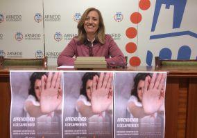 Ampliar información de Conferencia con motivo del día contra la Violencia de Género