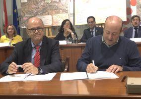 Ampliar información de Firmado el convenio para la mejora con 2,5 millones de euros de la acequia de Mabad