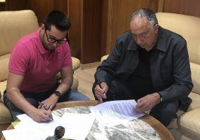 Ampliar información de El Ayuntamiento suscribe con Cáritas Parroquial de Arnedo la adenda 2018 al convenio