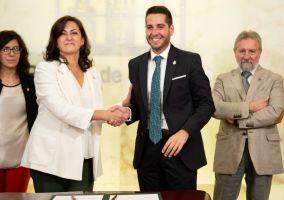 Ampliar información de El Alcalde firma el convenio de cabeceras de comarca por el que Arnedo recibirá 533.000 euros.