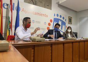 Ampliar información de El Ayuntamiento de Arnedo y Cruz Roja firman su convenio anual por importe de 15.000 euros.