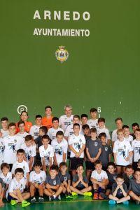 Ampliar información de El alcalde visita el campus de fútbol sala, Sara Iturriaga.