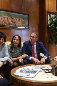 Ampliar información de El Alcalde recibe a la Comisión Organizadora del 50º Aniversario del Celso Díaz
