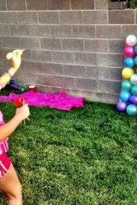 Ampliar información de Panel de globos con dardos