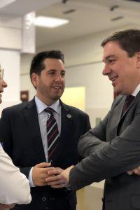 Ampliar información de El Alcalde y el Consejero de Educación visitan las obras del nuevo alumbrado del Delgado Calvete