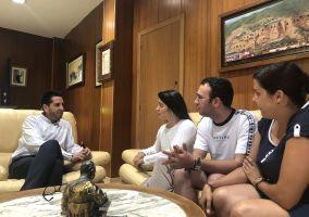Ampliar información de El Alcalde y la Concejala de Juventud mantienen un encuentro con el Consejo de La Juventud Comarcal de Arnedo.
