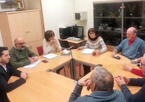 Ampliar información de El director general de Dependencia, Discapacidad y Mayores, Santiago Urizarna, visita el CEPA de Arnedo y el Centro de Día junto al Alcalde.