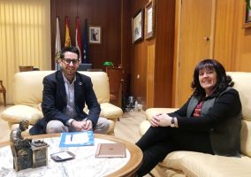 Ampliar información de Encuentro bilateral entre el Alcalde, Javier García, y la Portavoz del Partido Riojano, Rita Beltrán.