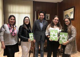 Ampliar información de El Alcalde recibe a las alumnas ganadoras del concurso STARTInnova de La Rioja.