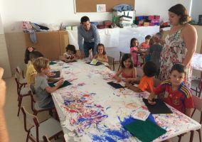 Ampliar información de El Alcalde y el concejal de Juventud visitan la Escuela de Verano