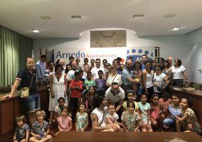 Ampliar información de El Alcalde recibe a los niños y niñas Saharauis acogidos en La Rioja
