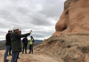 Ampliar información de El Alcalde visita las obras de consolidación del Castillo