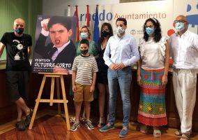 Ampliar información de 22º Octubre Corto homenajea a José Luis Cuerda en su cartel y da a conocer los cortometrajes que optarán a concurso.
