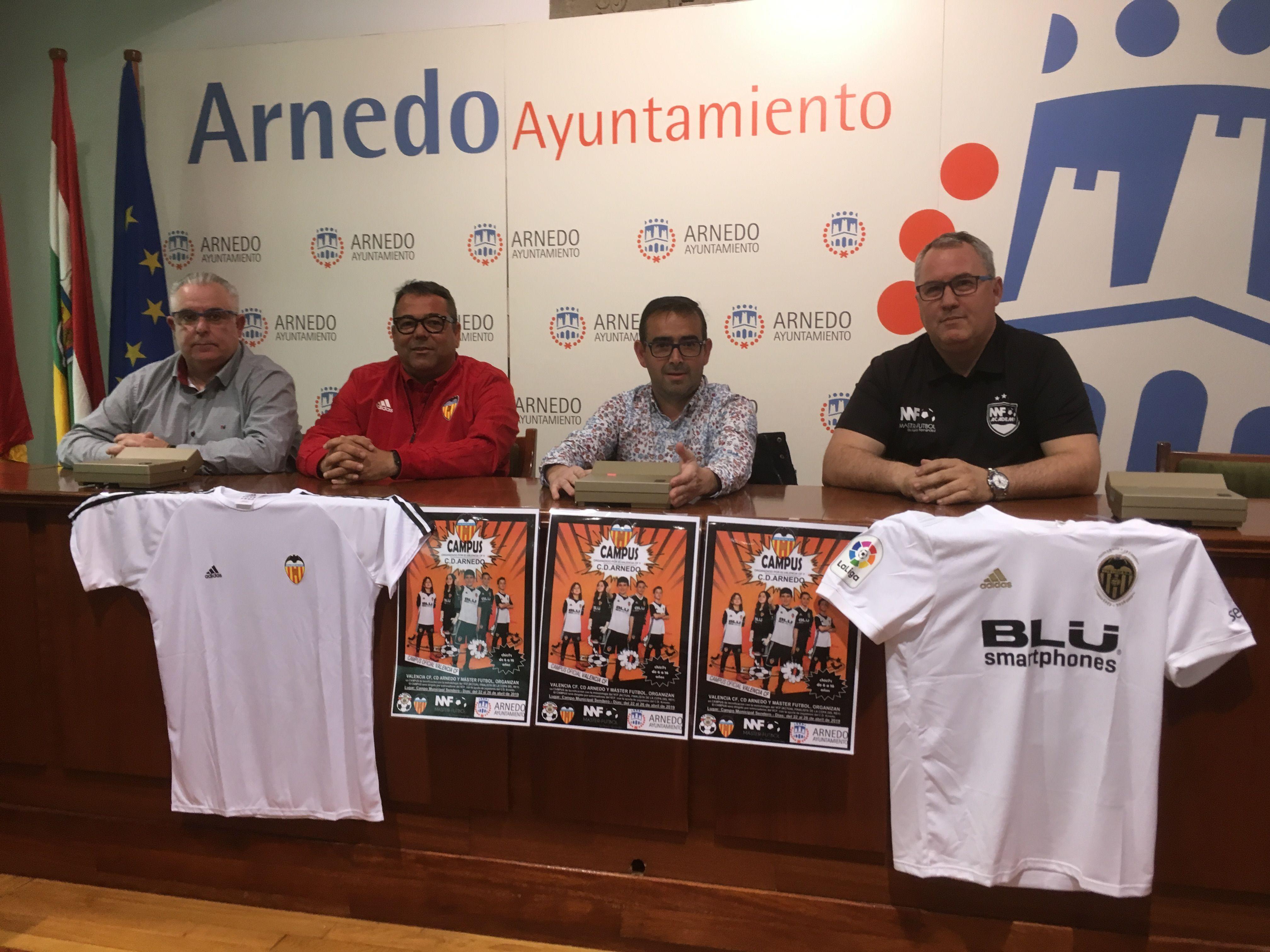 Ayuntamiento de arnedo presentado el campus de f tbol for Valencia cf oficinas