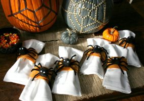 Ampliar información de Decoración y atrezo para la fiesta de Halloween