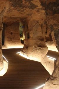 Ampliar información de Cueva de los Cien Pilares. Domingo 26 de Septiembre 12.15 horas