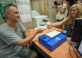 Ampliar información de El Alcalde insta a Delegación de Gobierno a que reanude el servicio de expedición del DNI