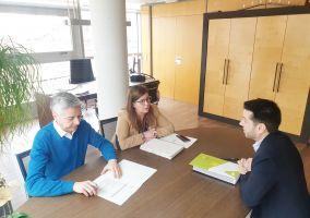 Ampliar información de El Alcalde, Javier García, mantiene un encuentro de trabajo con el Consejero de Gobernanza Pública, Francisco Ocón.